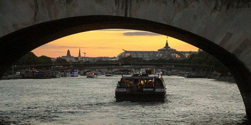 France. Attractions list. Seine