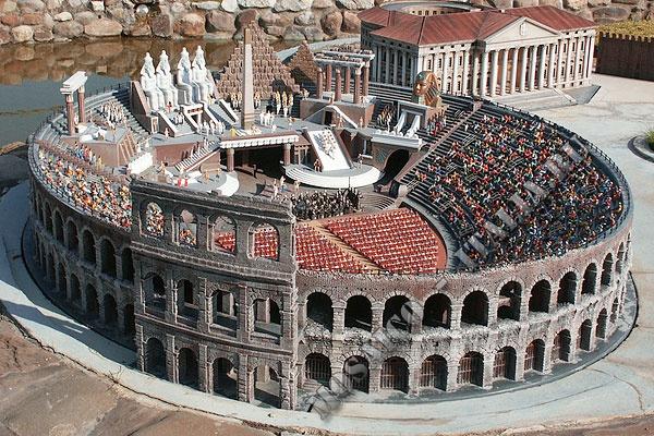 Italy-coliseum