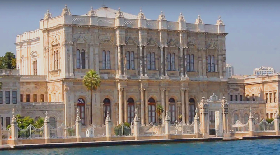 Museums in Istanbul - Dolmabahche palace